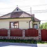 Eladó családi ház Csíkrákoson. Érdeklődni 9-15 óra között. ...